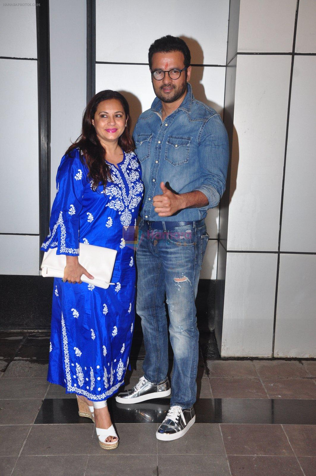 Rohit Roy at Omung Kumar bday Bash on 8th Oct 2016