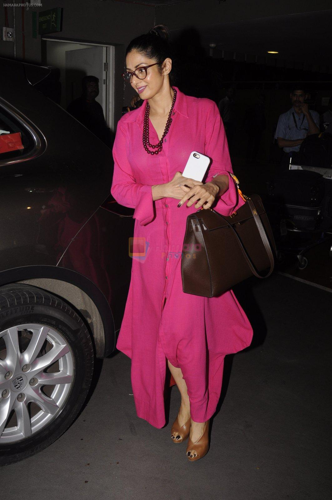 Sridevi snapped at airport on 9th Oct 2016