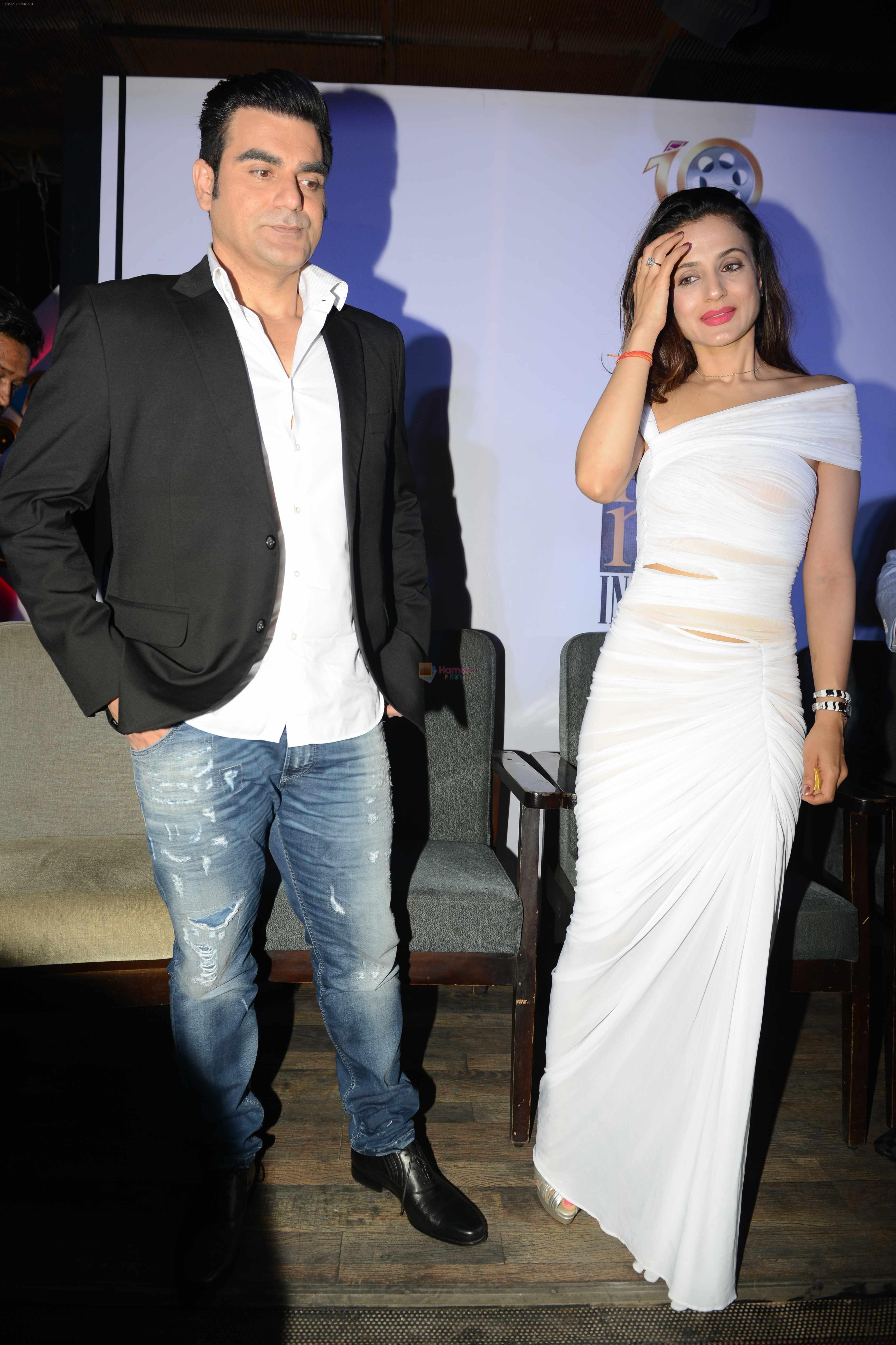 Arbaaz Khan and Ameesha Patel at Bollywood Mr and Miss India on 10th Oct 2016