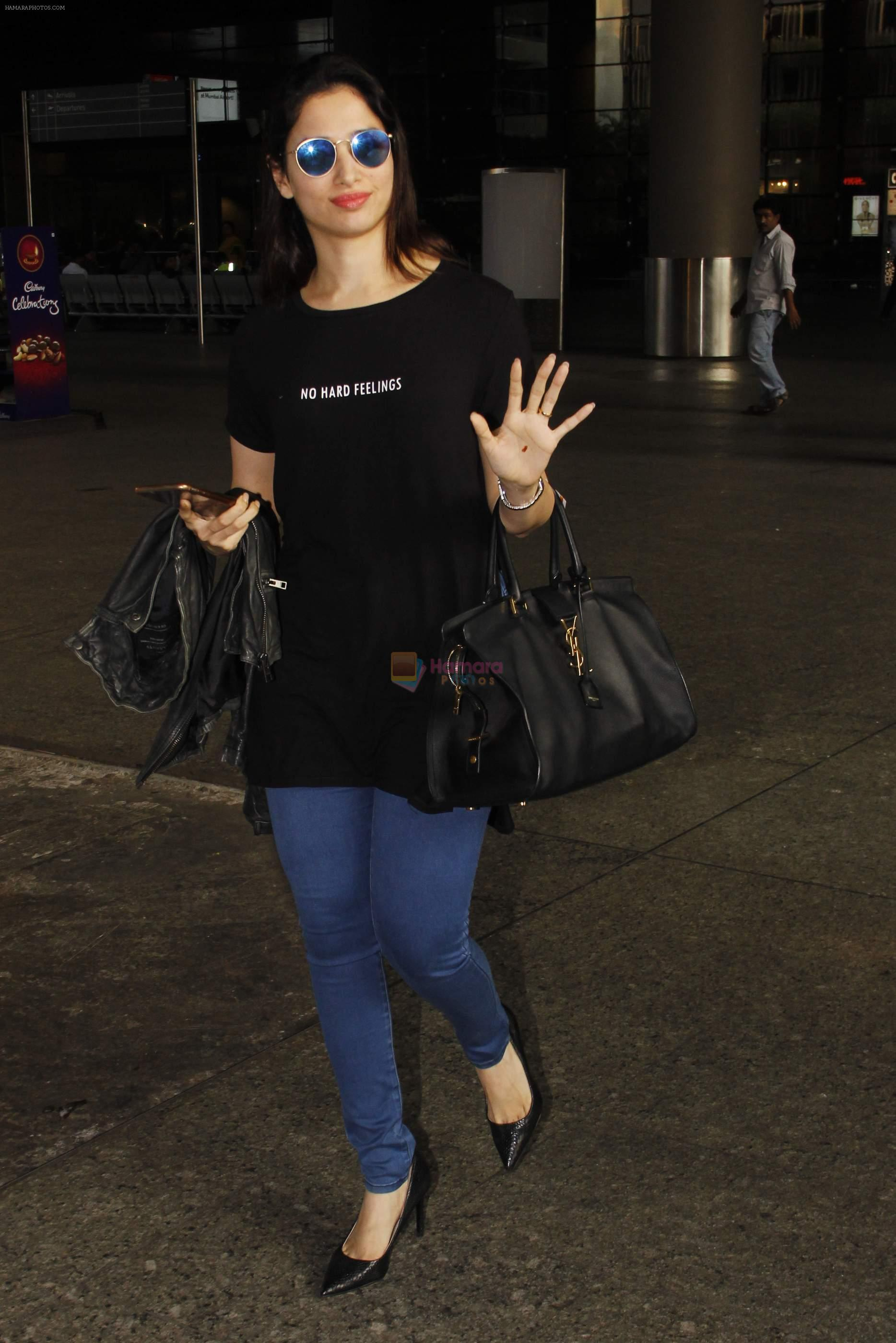 Tamannaah Bhatia snapped at airport on 11th Oct 2016