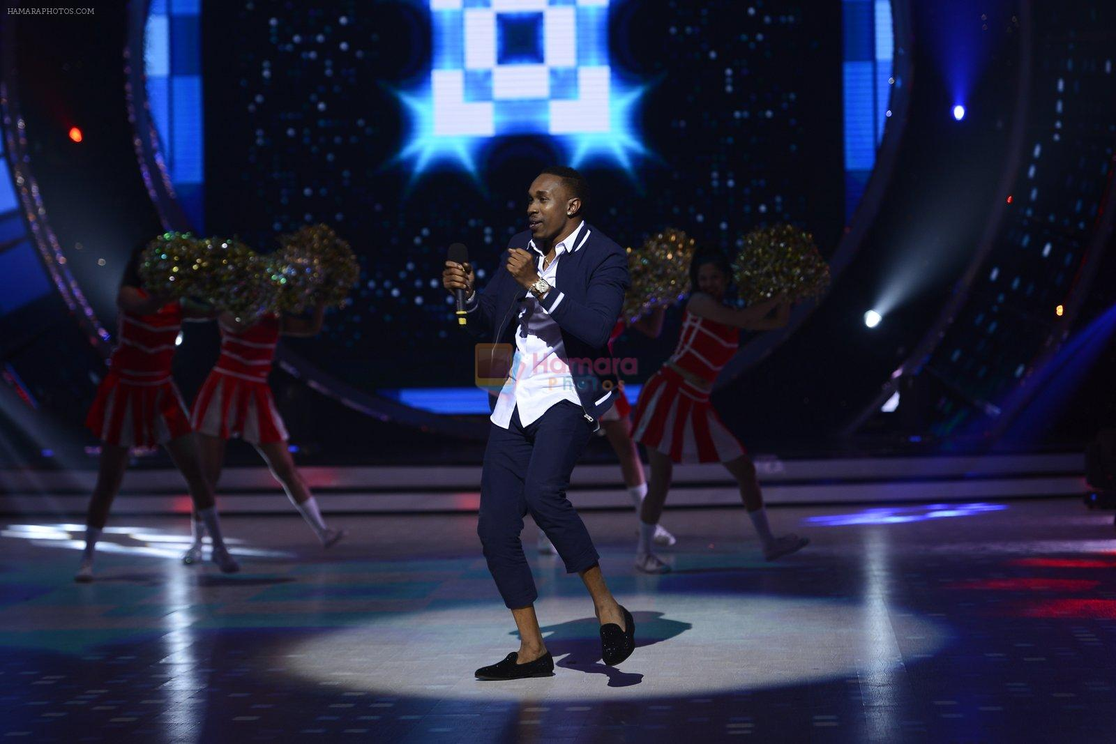 DJ Bravo on the sets of Jhalak dikhhla jaa season 9 on 11th Oct 2016