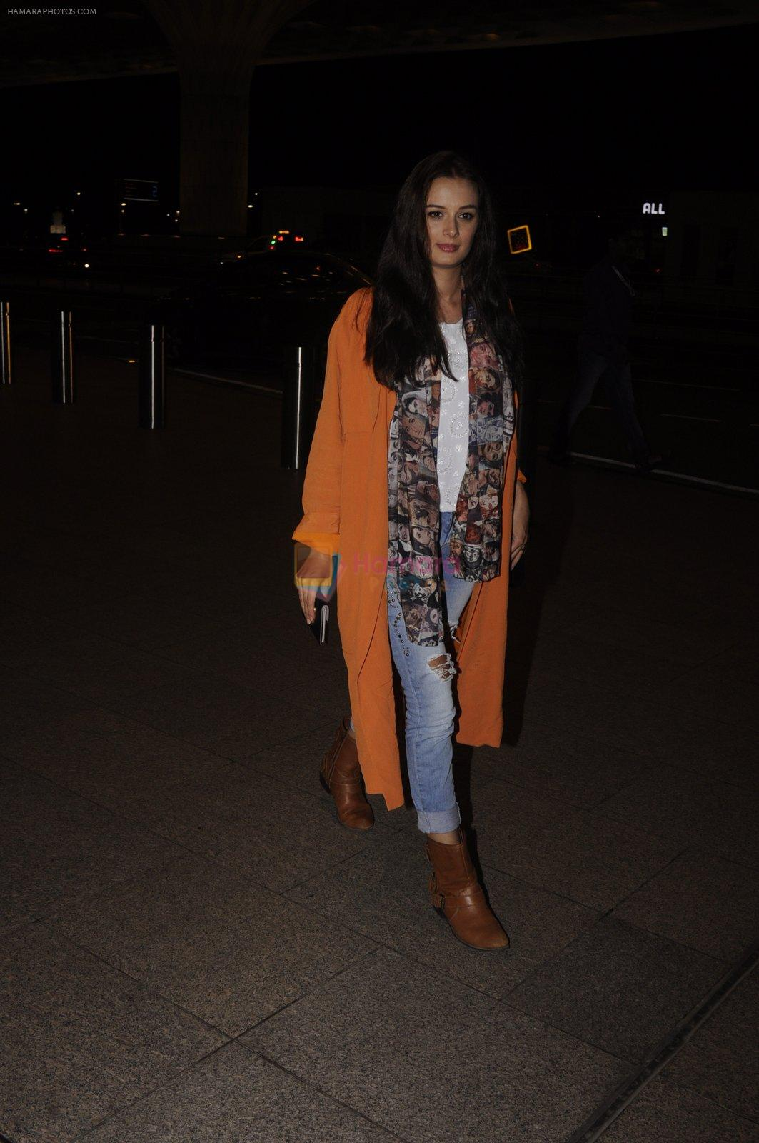 Evelyn Sharma snapped at airport on 13th Oct 2016