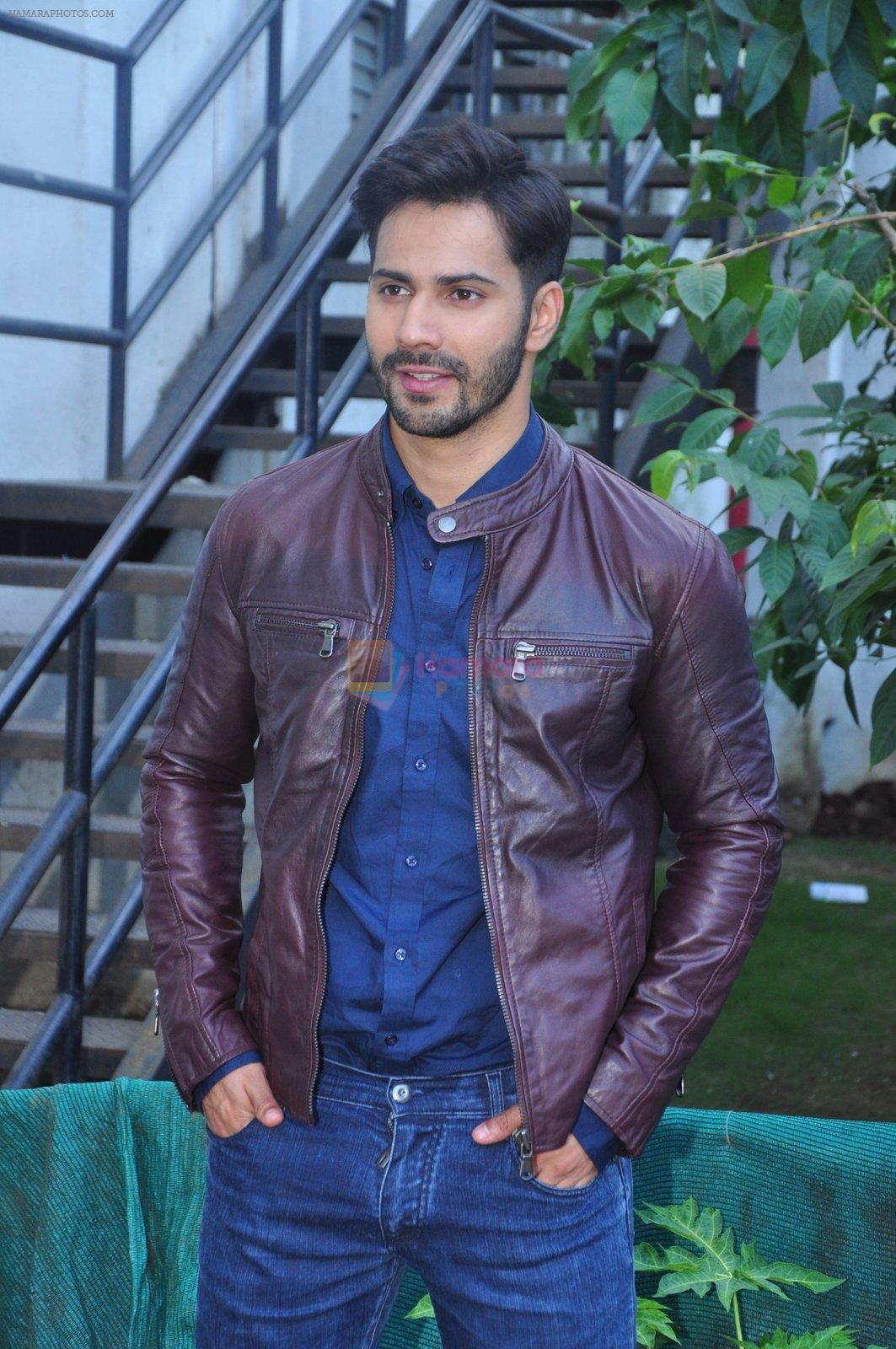 Varun Dhawan on the sets of Yaadon Ki Baarat on 13th Oct 2016