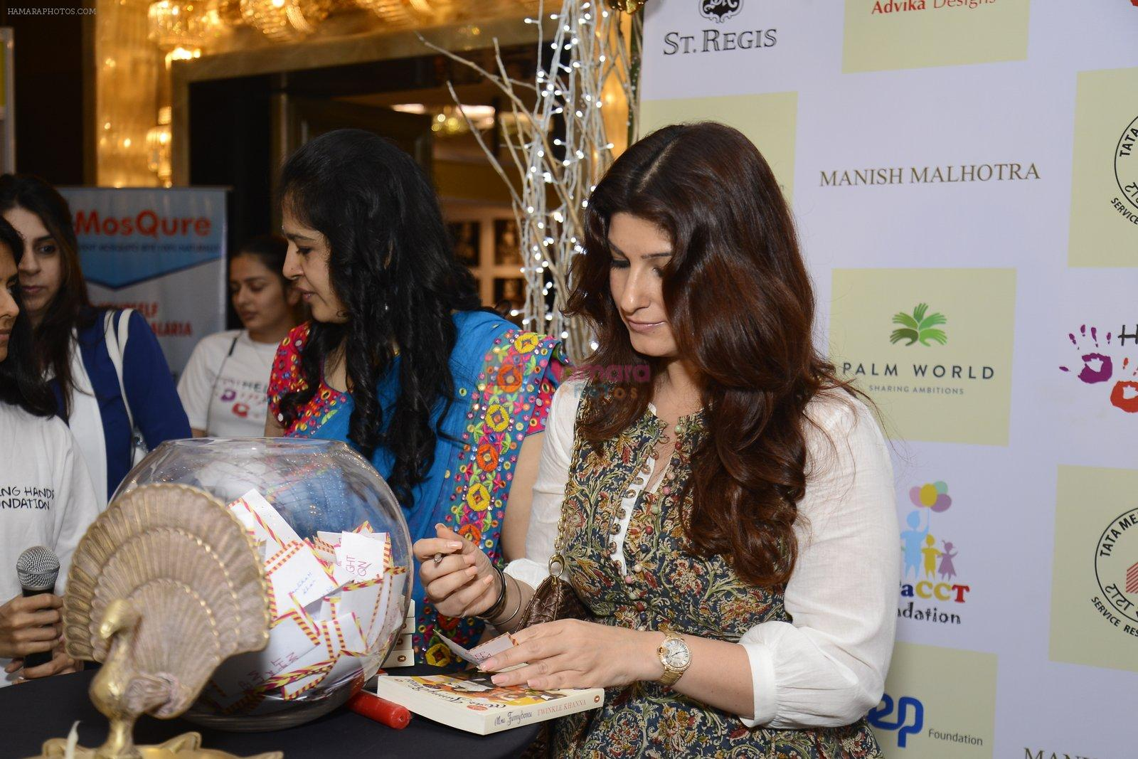 Twinkle khanna inaugurate helping hands exhibition in st regis on 13th Oct 2016