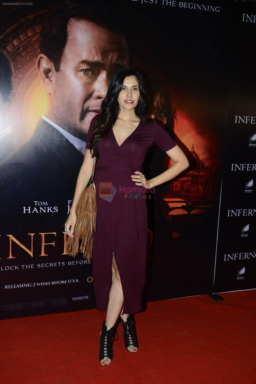 Sonnalli Seygall at Inferno premiere on 12th Oct 2016