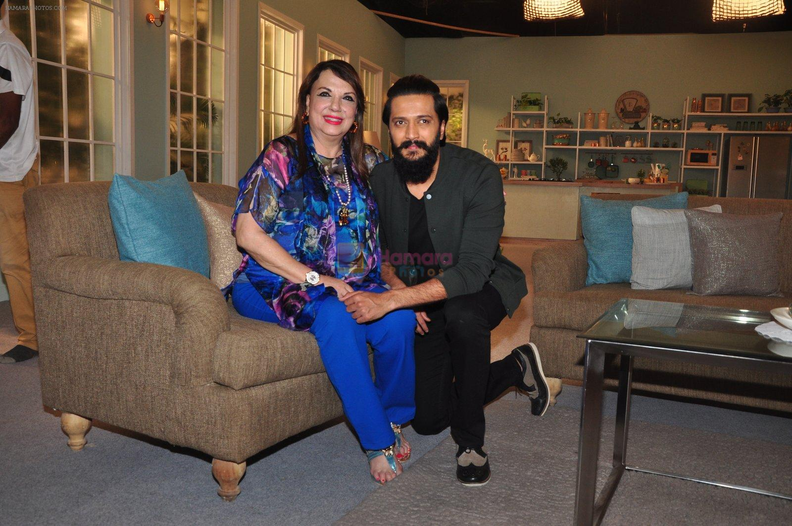 Riteish Deshmukh on the sets of Zarine Khan's food show on 13th Oct 2016