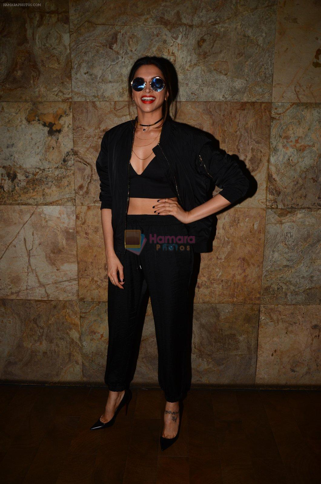 Deepika Padukone snapped at the screening in lightbox on 14th Oct 2016
