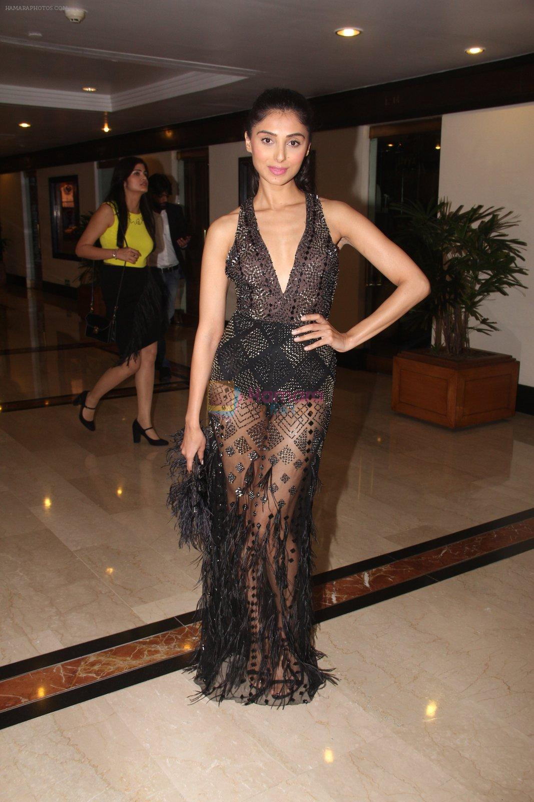 Perina Qureshi snapped at lobby of Trident for ET Panache trend setters awards on 14th Oct 2016