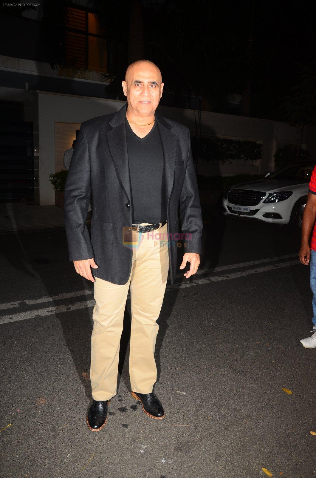 Puneet Issar at Hema Malini's bday party on 16th Oct 2016