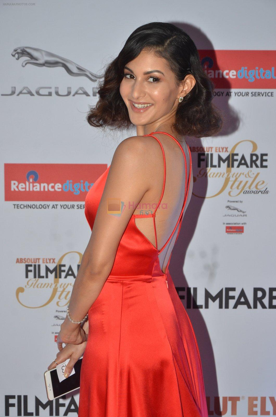 Amyra Dastur at Filmfare Glamour & Style Awards 2016 in Mumbai on 15th Oct 2016