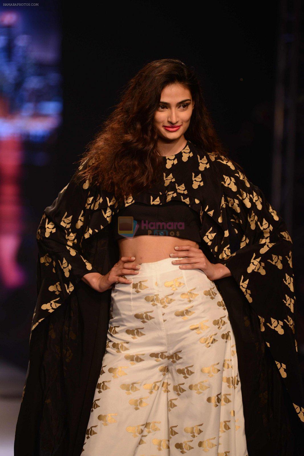 Athiya Shetty walks for Masaba at Amazon India Fashion Week on 15th Oct 2016