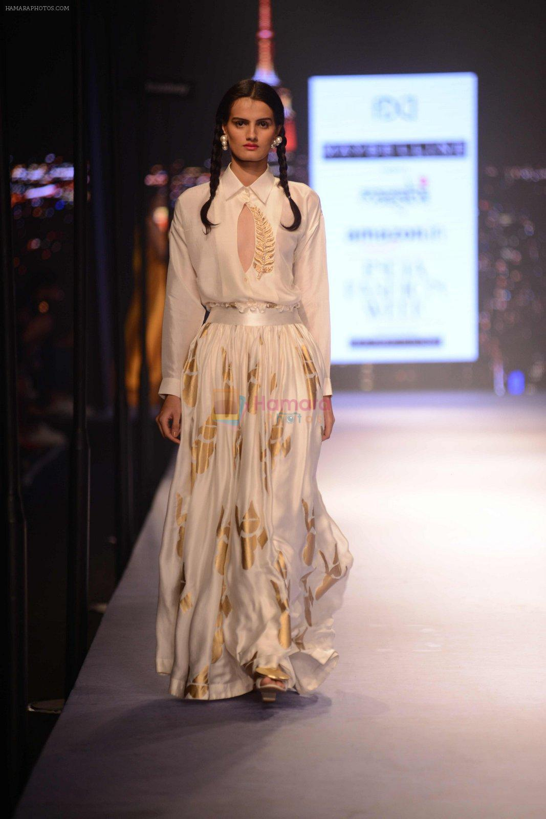 Model walks for Masaba at Amazon India Fashion Week on 15th Oct 2016