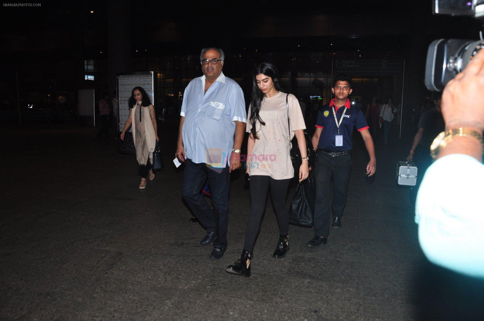 Boney Kapoor, Khushi Kapoor snapped at airport on 16th Oct 2016