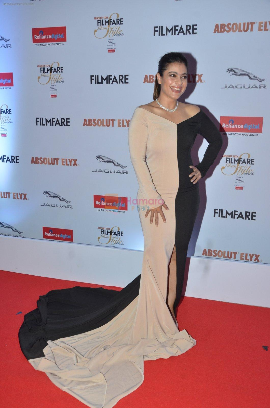 Kajol at Filmfare Glamour & Style Awards 2016 in Mumbai on 15th Oct 2016