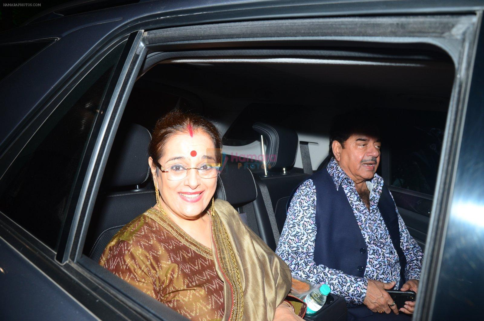 Shatrughan Sinha, Poonam Sinha at Hema Malini's bday party on 16th Oct 2016