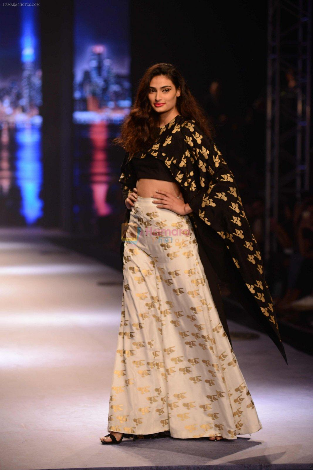 Athiya Shetty walks for Masaba at Amazon India Fashion Week on 15th Oct 2016