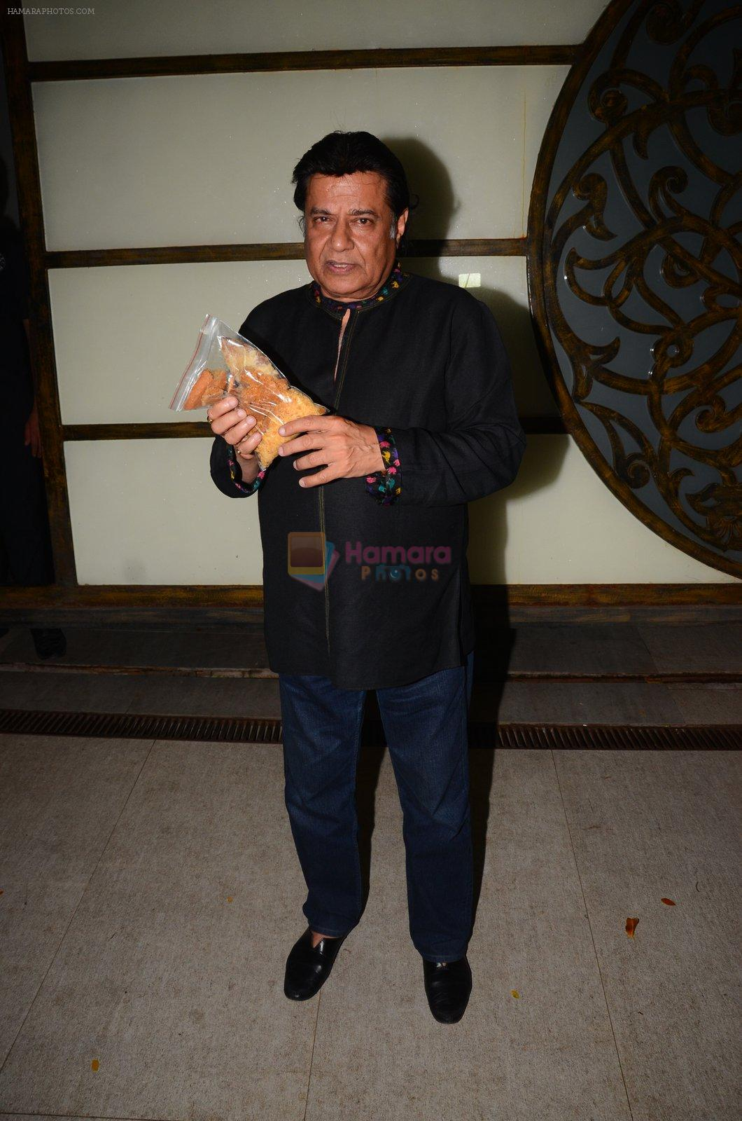 Anup Jalota at Hema Malini's bday party on 16th Oct 2016