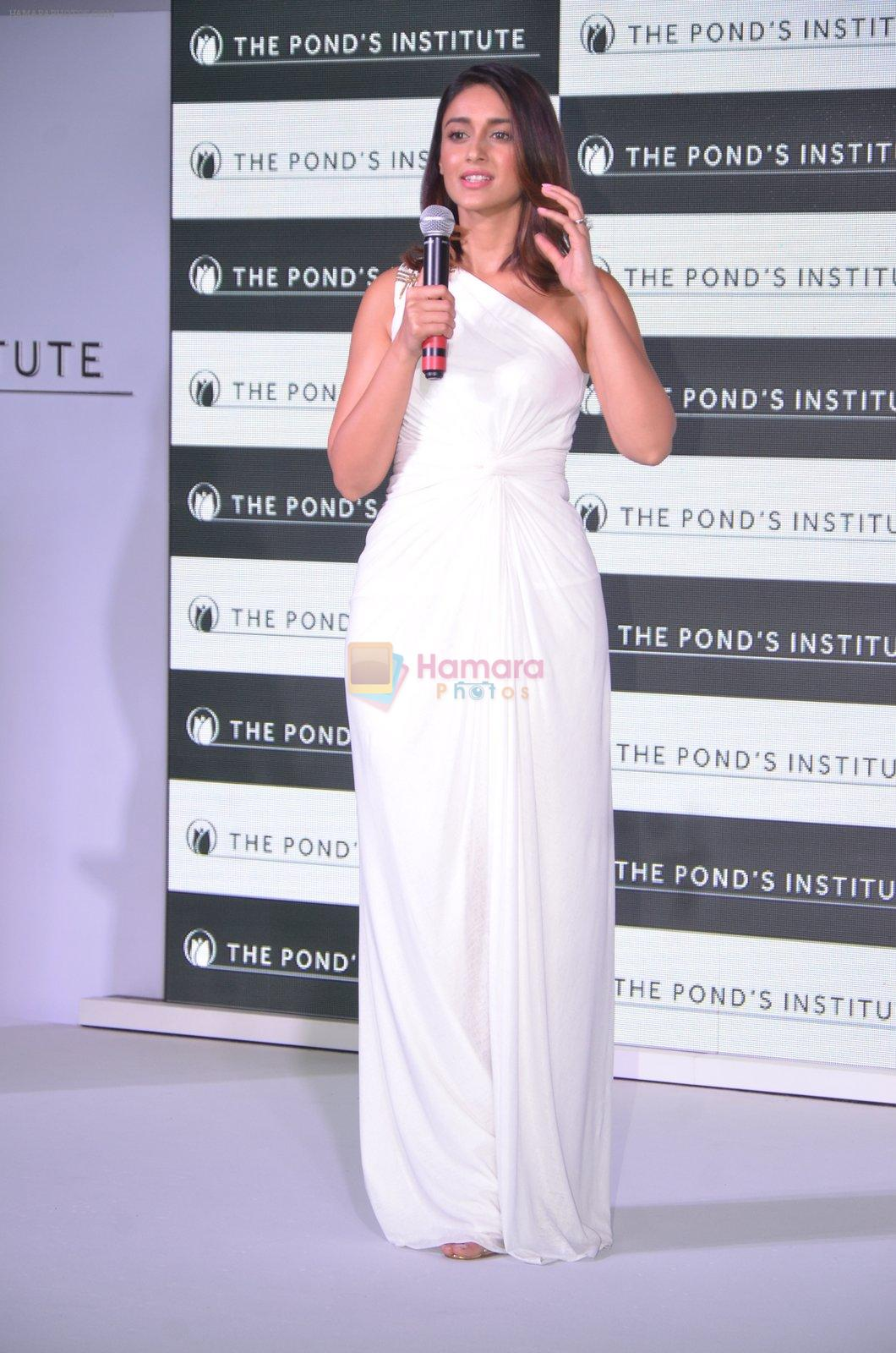 Ileana D_Cruz at Ponds Institute new products launch in four Seasons, Worli on 17th Oct 2016