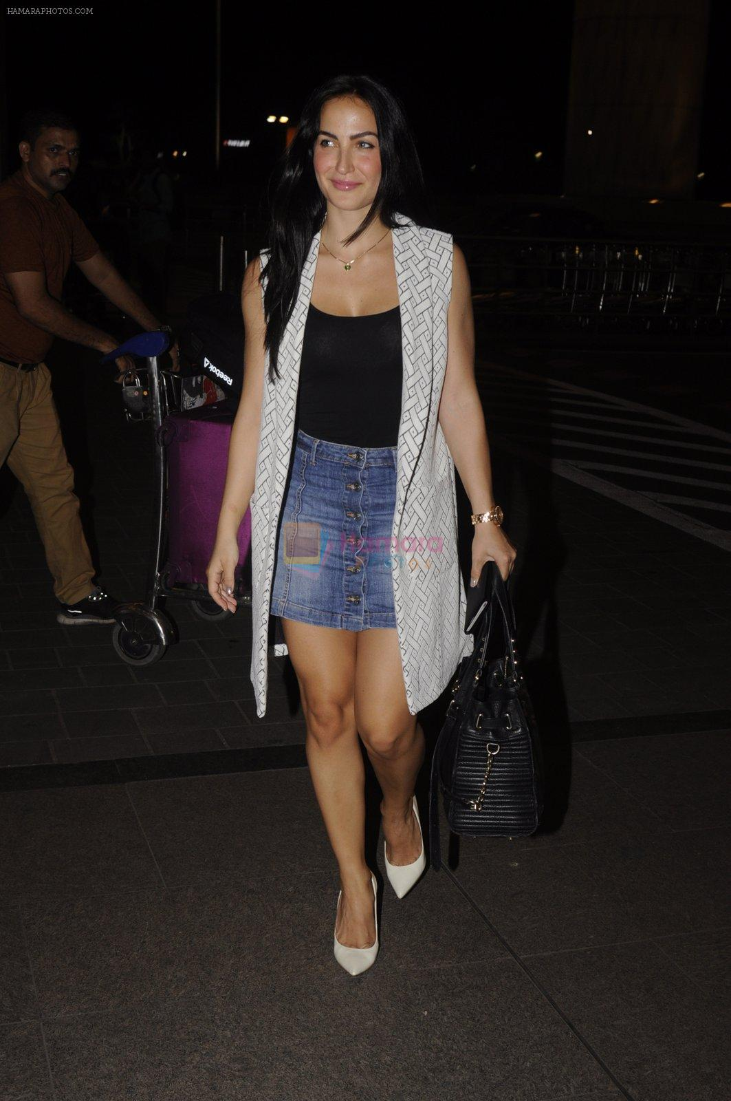 Elli Avram snapped at Airport on 18th Oct 2016