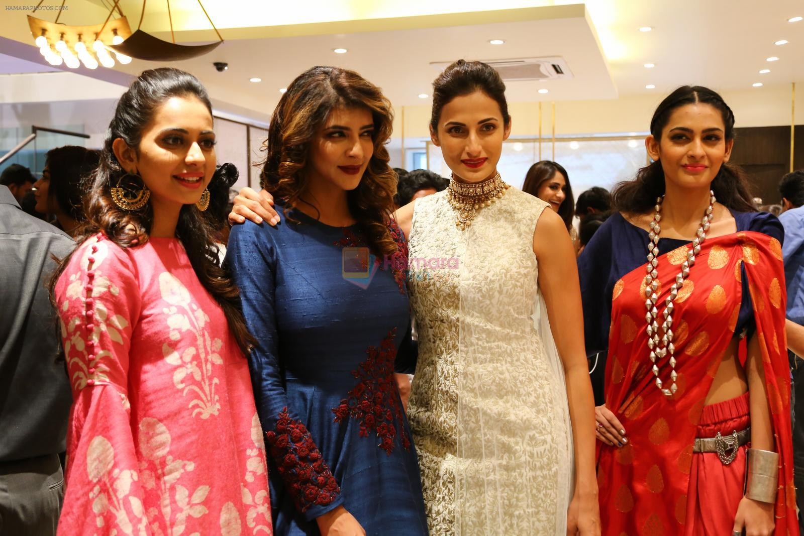 Rakul Preet Singh, Lakshmi Manchu at Lakme Fashion Week at Elahe and Heroines on 18th Oct 2016