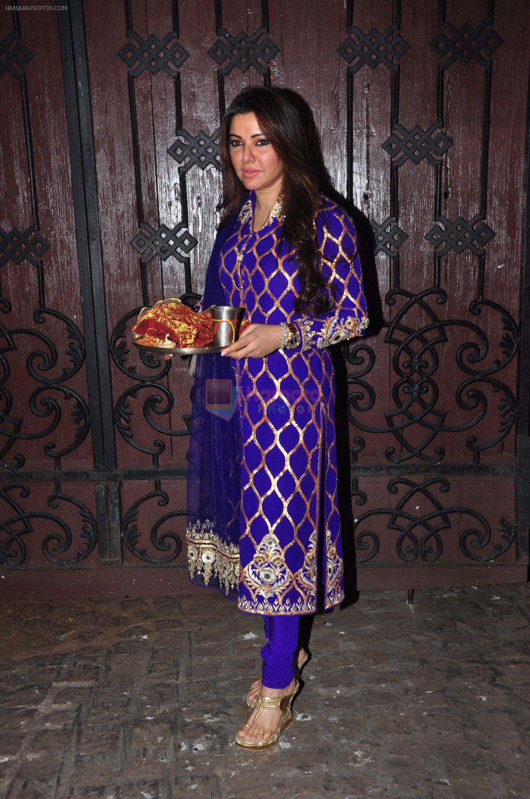 Kehkashan Patel celebrate Karva Chauth at Anil Kapoor�s house in Juhu on 19th Oct 2016