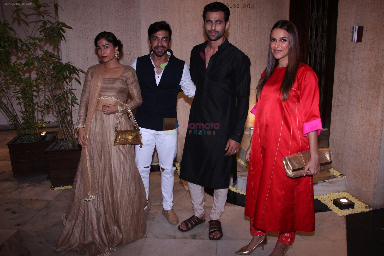 Neha Dhupia, Aashish Chaudhary at Manish Malhotra's diwali party on 28th Oct 2016