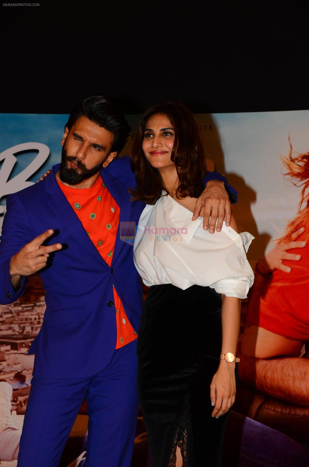 Vaani Kapoor, Ranveer Singh at Befikre promotions in Mumbai on 15th Nov 2016