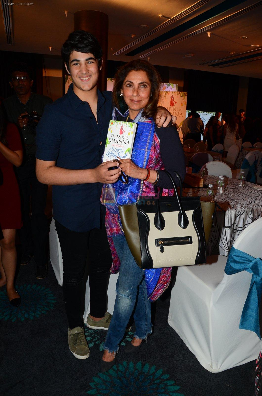Dimple Kapadia at Twinkle Khanna's book launch in J W Marriott, Mumbai on 15th Nov 2016
