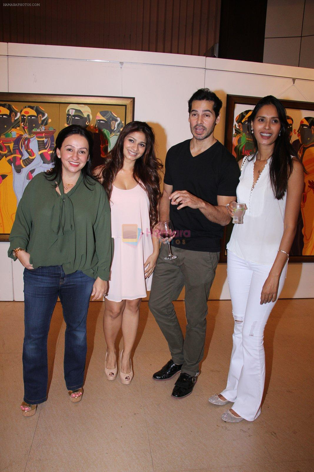 Tanisha Mukhewrjee, Dino Morea at Thota Vaikuntam art show hosted by India Fine Art on 15th Nov 2016