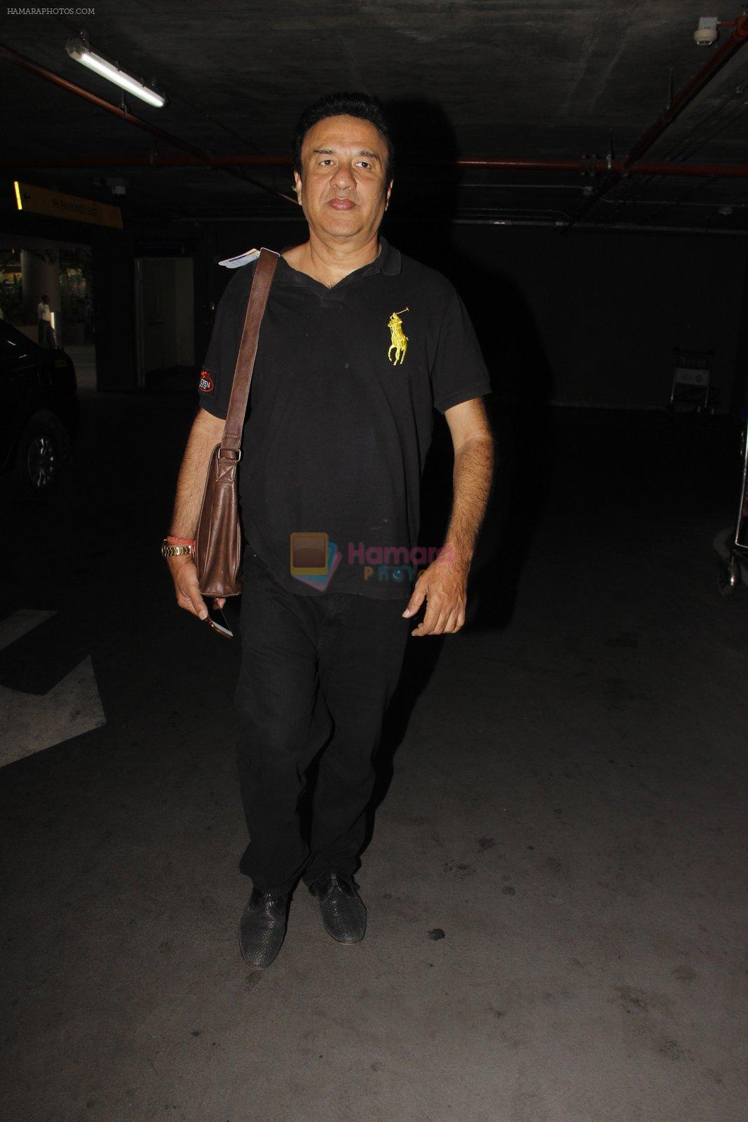 Anu Malik snapped at airport on 16th Nov 2016