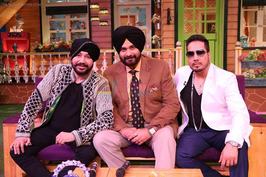 Daler Mehndi and Mika on The Kapil Sharma Show on 16th Nov 2016