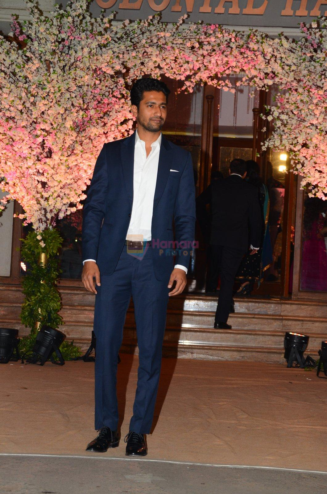 Vicky Kaushal at Wedding reception of stylist Shaina Nath daughter of Rakesh Nath on 17th Nov 2016
