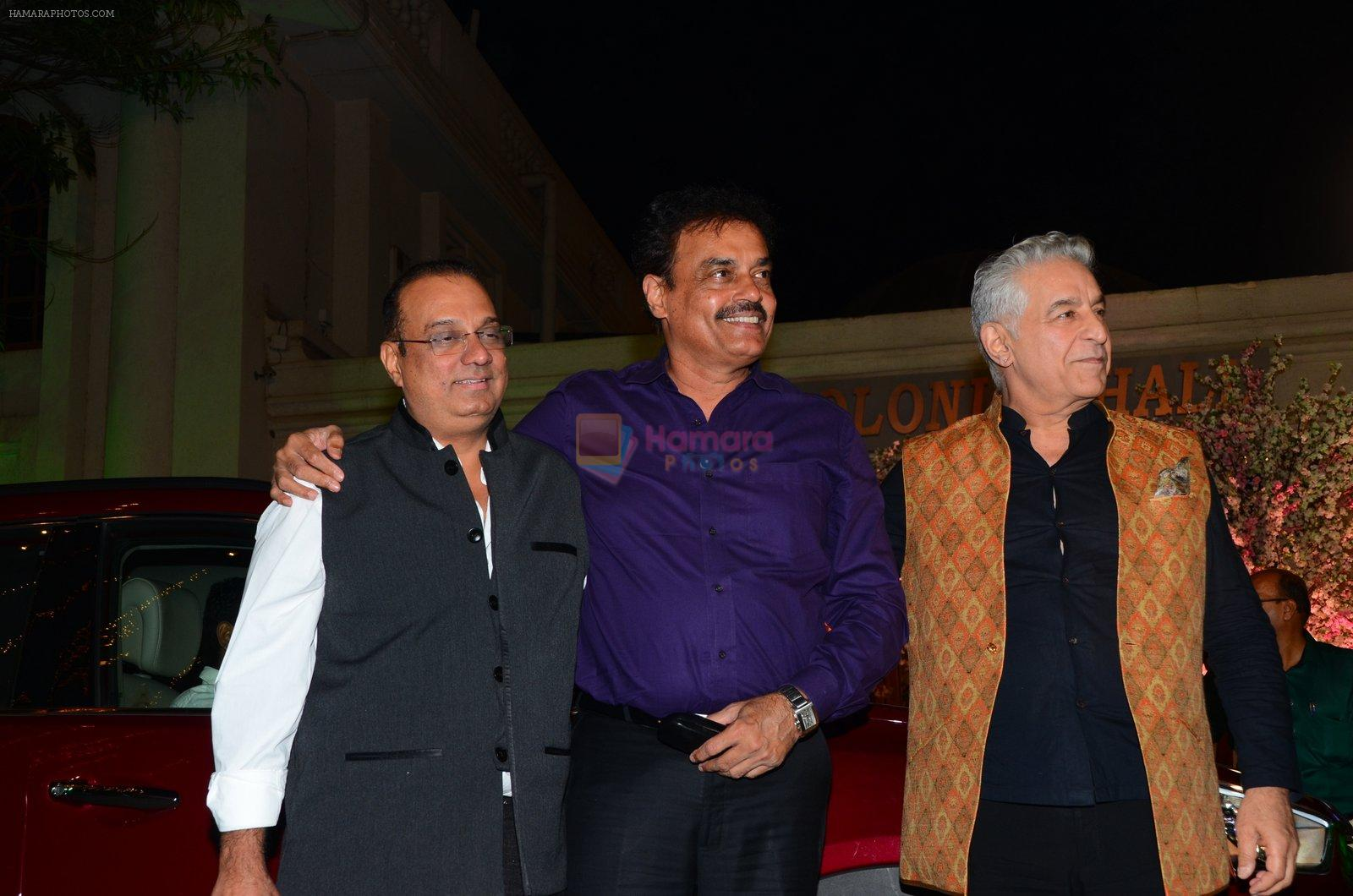 Dalip Tahil at Wedding reception of stylist Shaina Nath daughter of Rakesh Nath on 17th Nov 2016