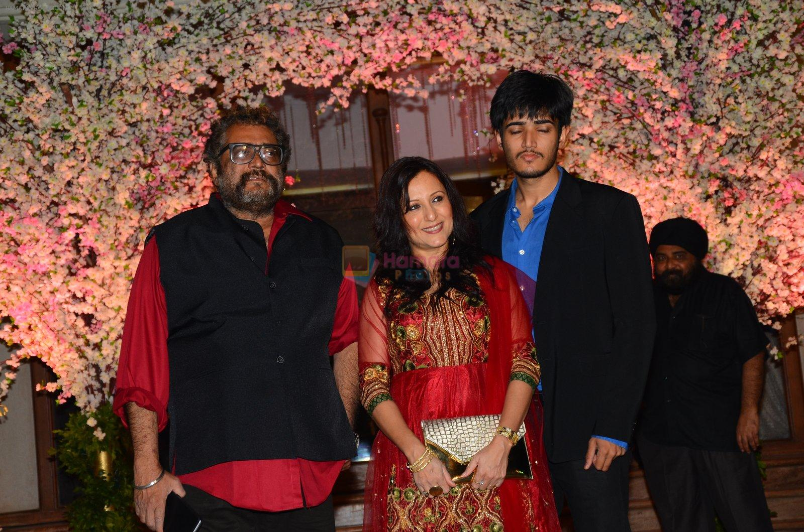 Kishori Shahane at Wedding reception of stylist Shaina Nath daughter of Rakesh Nath on 17th Nov 2016