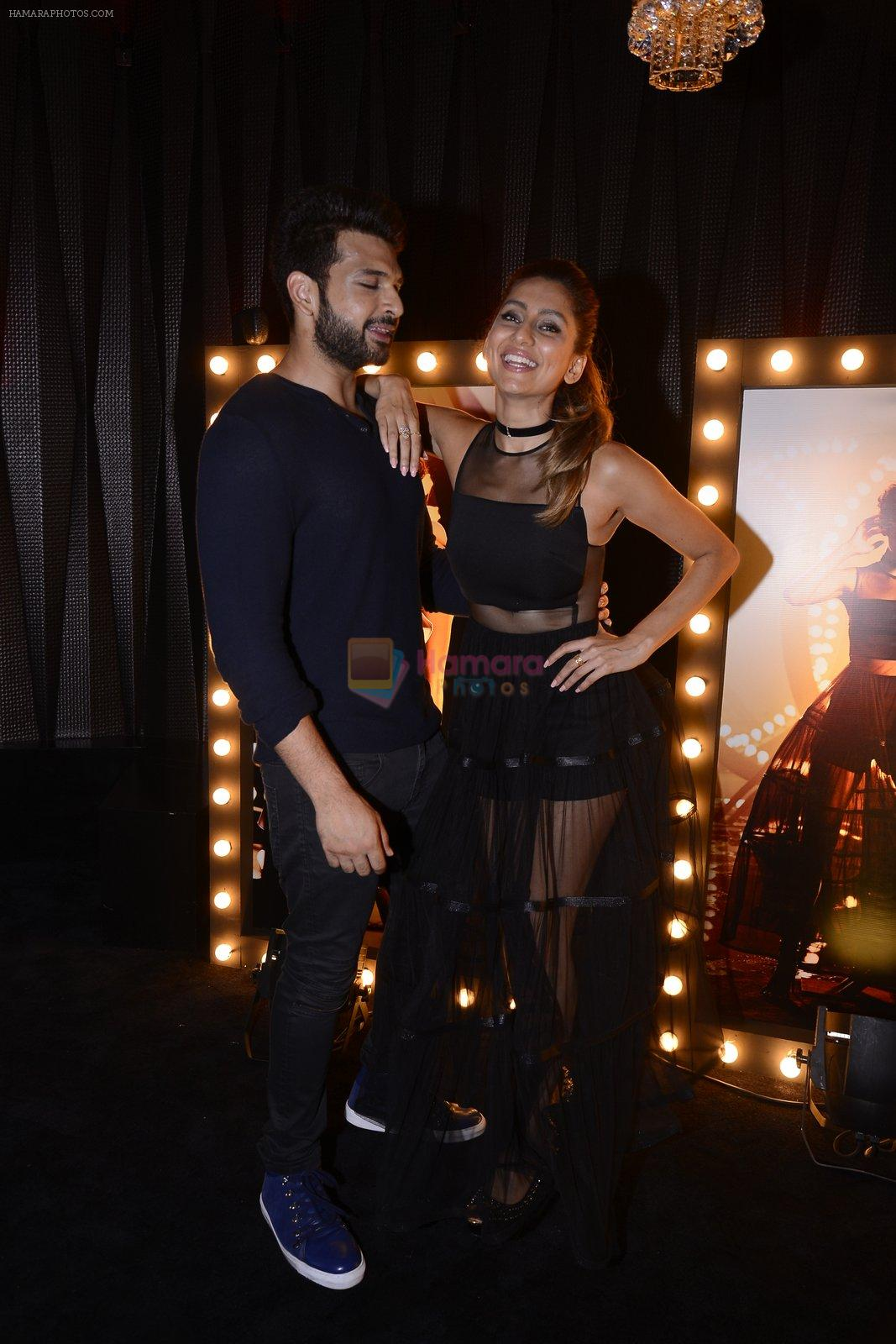 Anusha Dandekar, Karan Kundra at Koovs launch by Gauri and Nainika on 17th Nov 2016