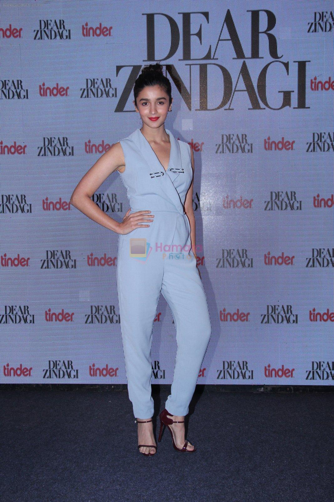 Alia Bhatt at Tinder bash on 17th Nov 2016