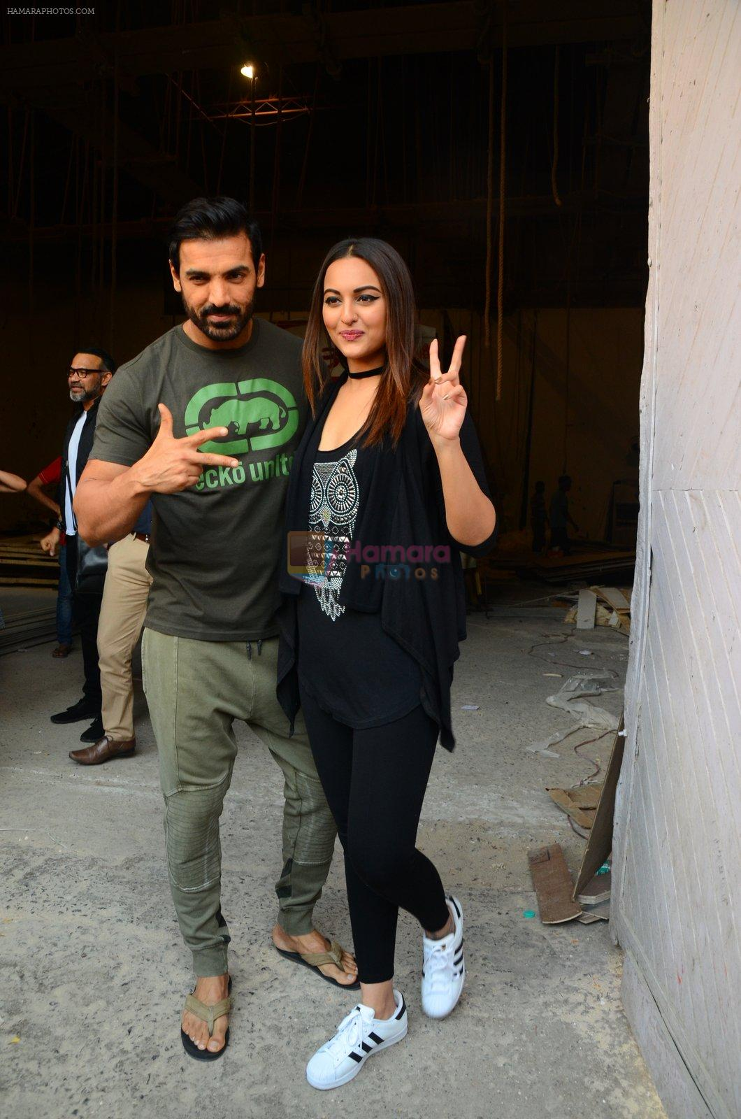 Sonakshi Sinha, John Abraham at Force 2 photo shoot in Mumbai on 17th Nov 2016