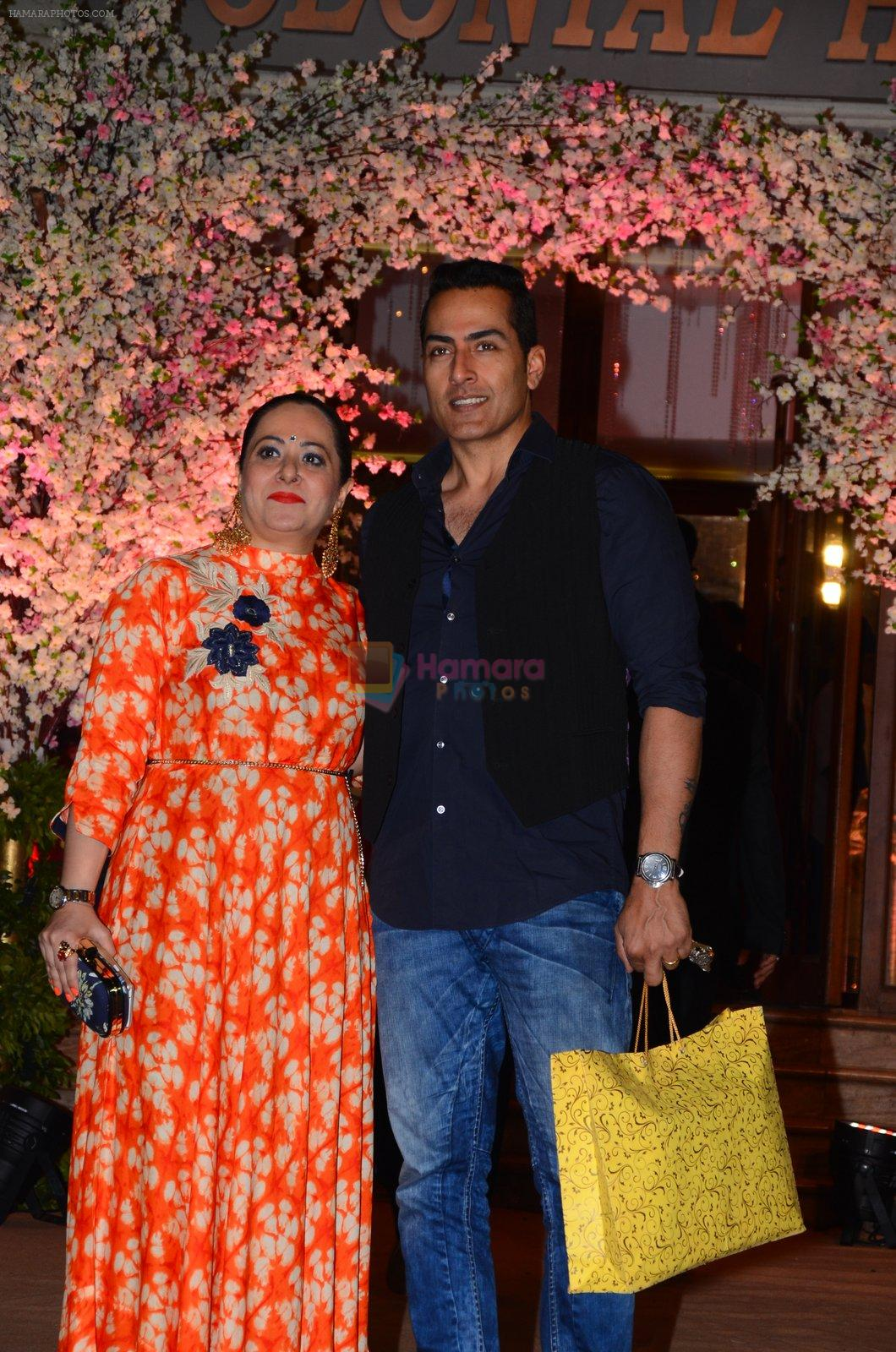Sudhanshu Pandey at Wedding reception of stylist Shaina Nath daughter of Rakesh Nath on 17th Nov 2016