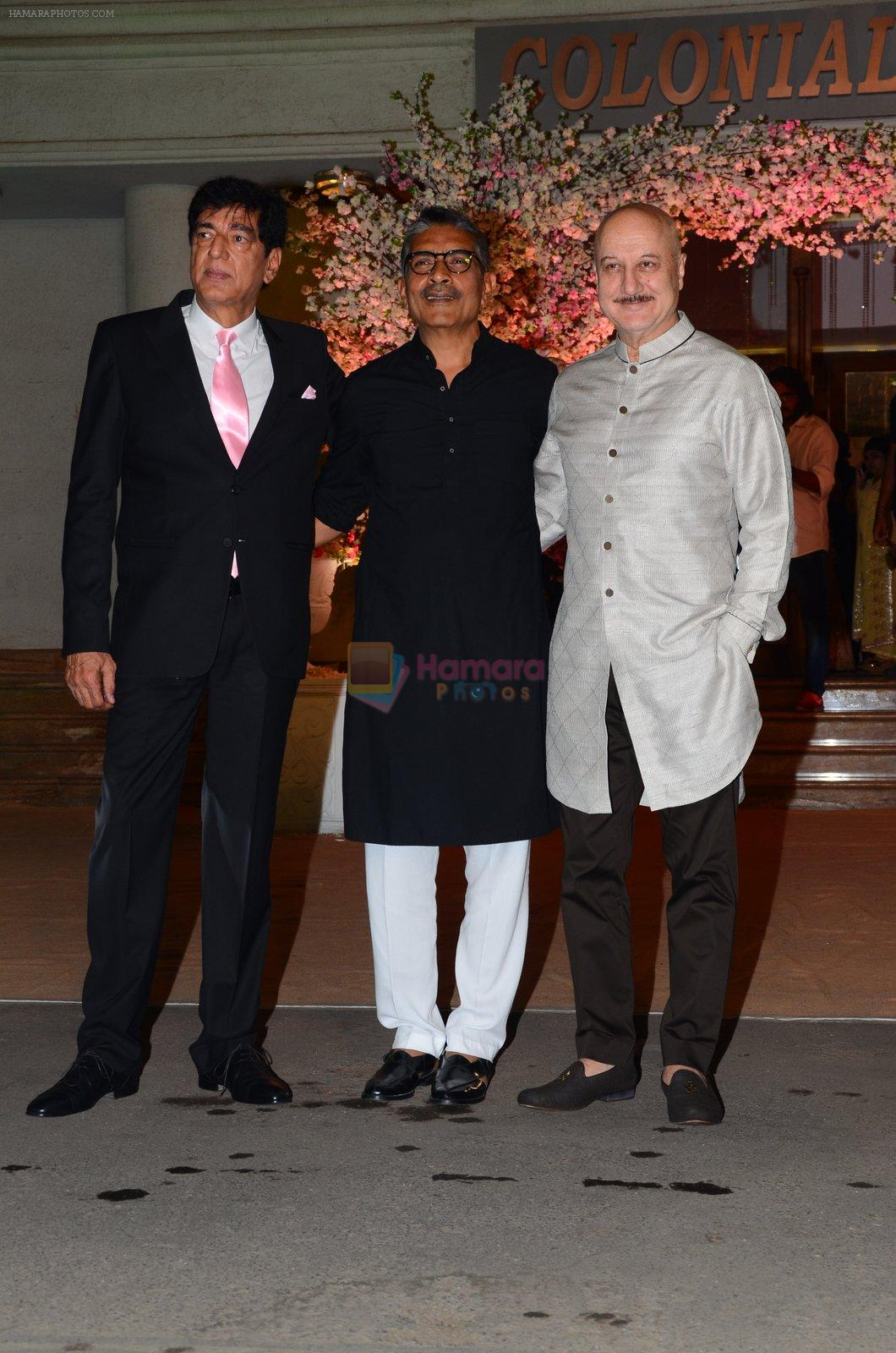 Anupam Kher at Wedding reception of stylist Shaina Nath daughter of Rakesh Nath on 17th Nov 2016