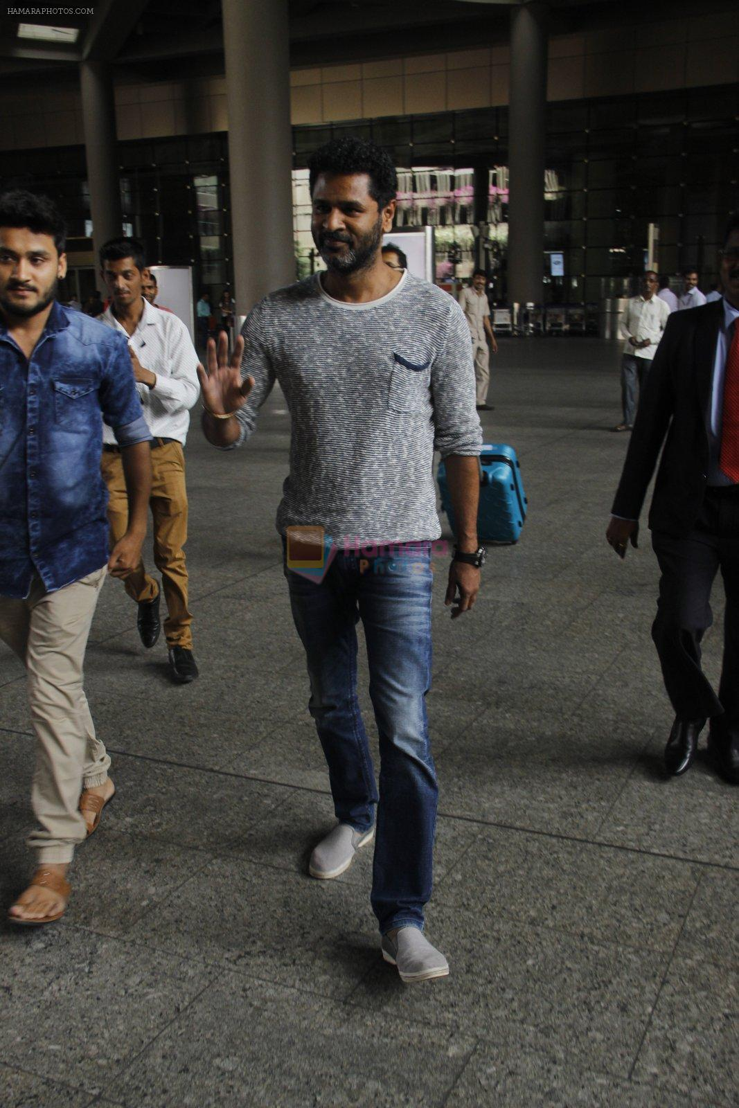 Prabhu Deva snapped at airport on 18th Nov 2016