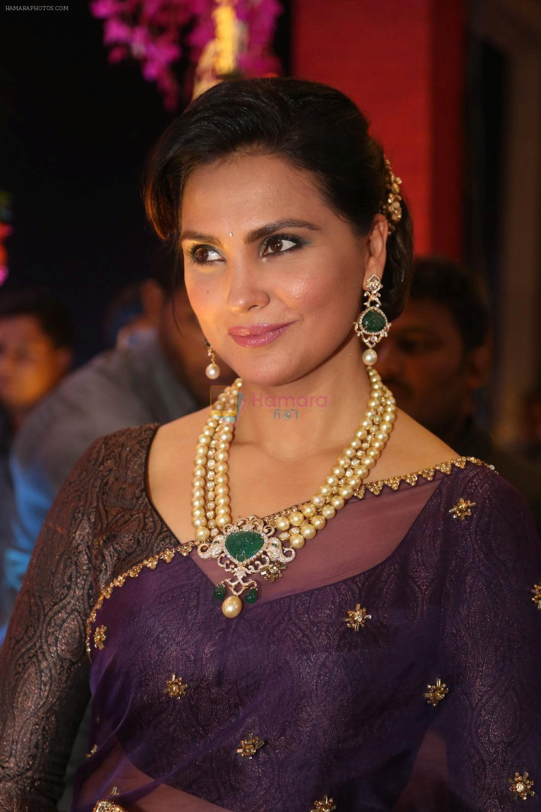 Lara Dutta at anam mirza and akbar rasheed wedding reception on 18th Nov 2016