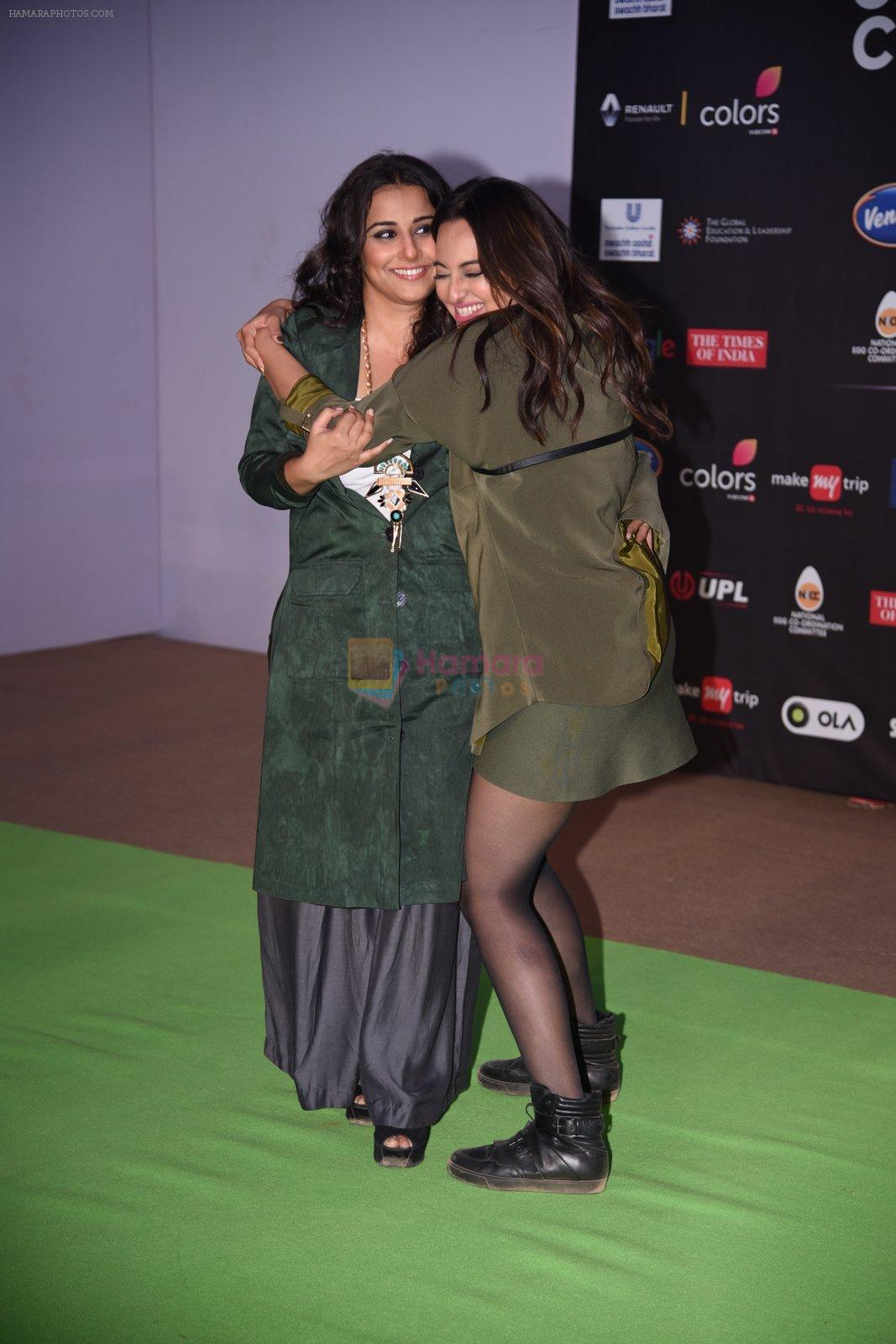 Sonakshi Sinha, Vidya Balan at Global Citizen Festival India 2016 on 18th Nov 2016