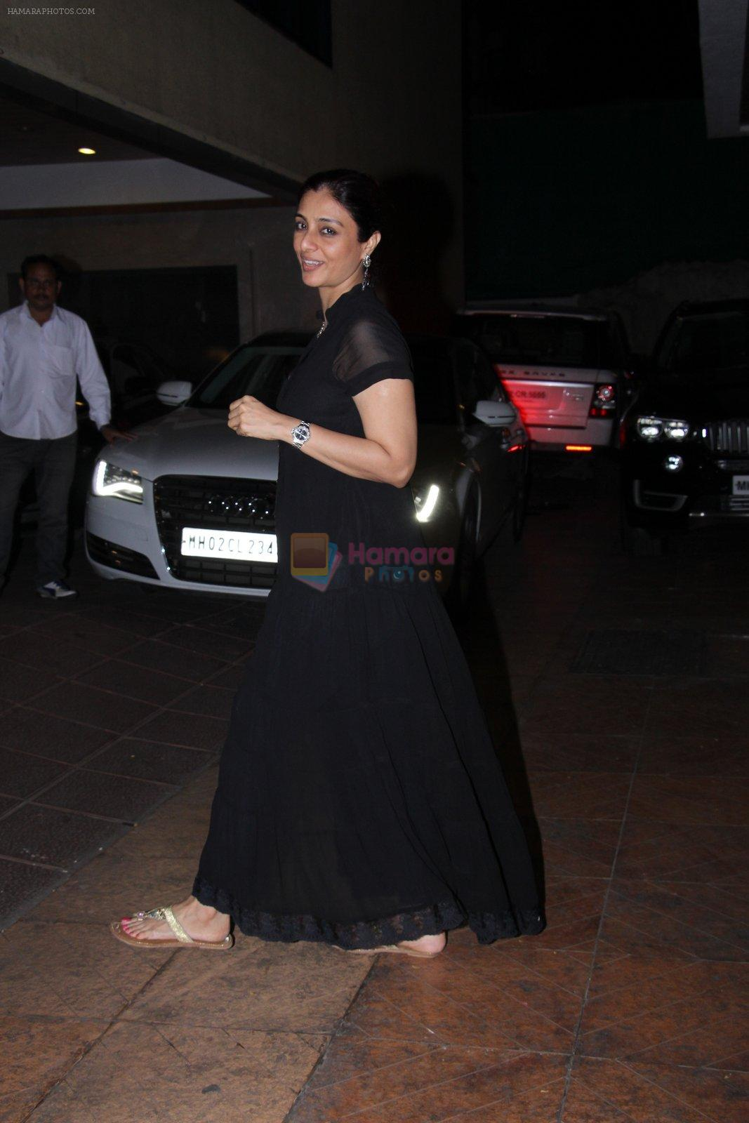 Tabu at Tusshar Kapoor's bday Bash in Mumbai on 19th Nov 2016