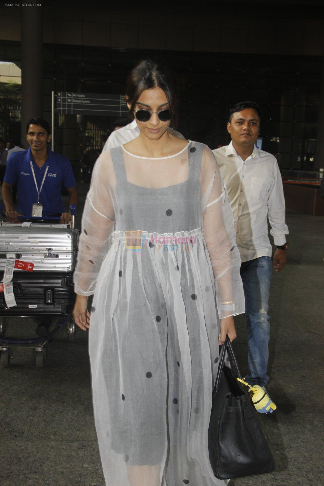 Sonam Kapoor snapped at airport on 19th Nov 2016