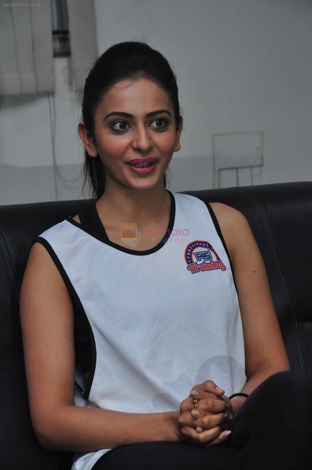 Rakul Preet Singh participate in Fitnessunplugged for Rape Victims Event on 20th Nov 2016 (