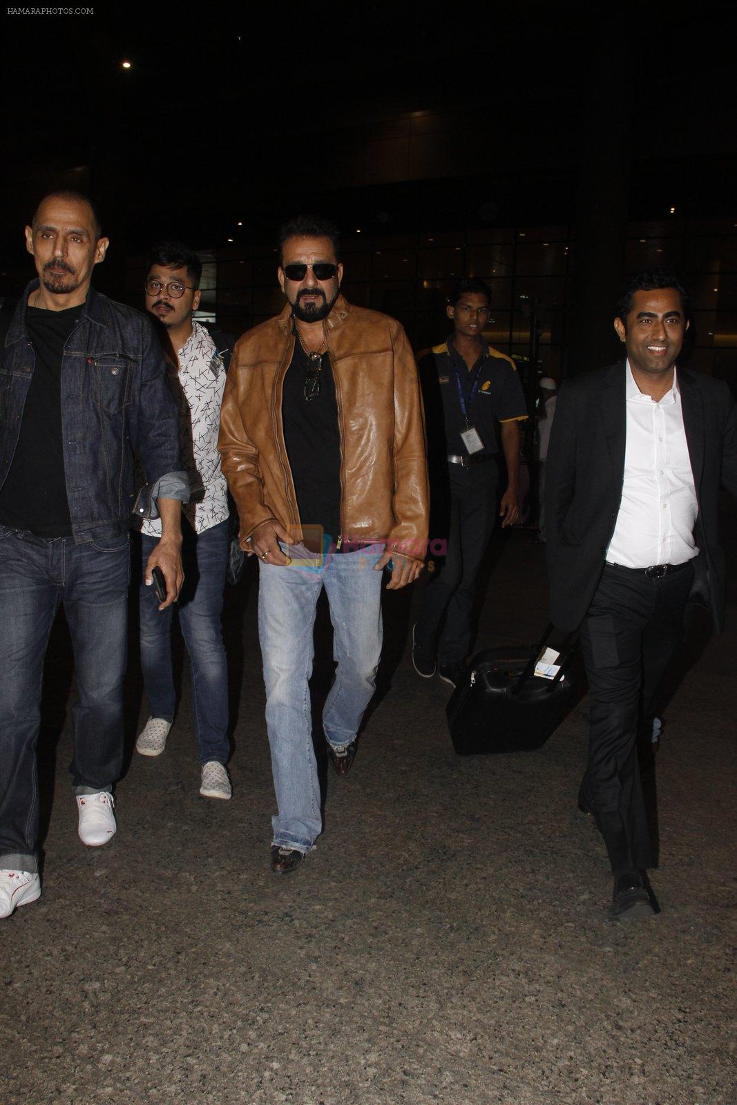 Sanjay Dutt snapped at airport on 21st Nov 2016