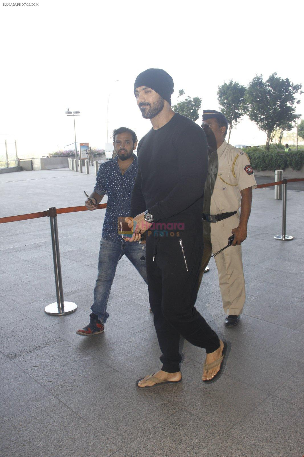John Abraham snapped at airport on 21st Nov 2016