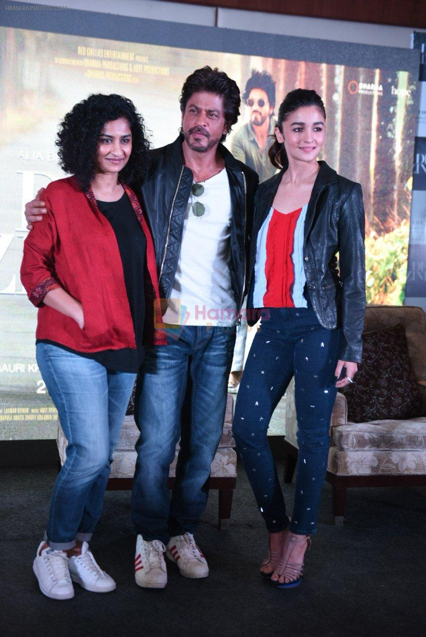 Alia Bhatt, Shahrukh Khan, Gauri Shinde at Dear Zindagi press meet on 22nd Nov 2016