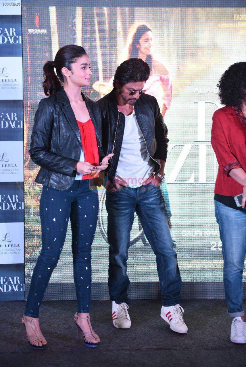 Alia Bhatt, Shahrukh Khan at Dear Zindagi press meet on 22nd Nov 2016