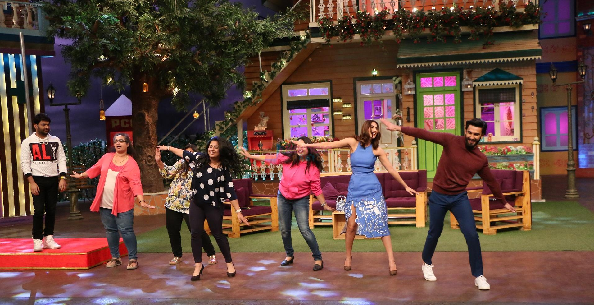 Ranveer Singh and Vaani Kapoor on the sets of The Kapil Sharma Show on 23rd Nov 2016